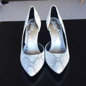 Brash snakeskin heels size 5 1/2